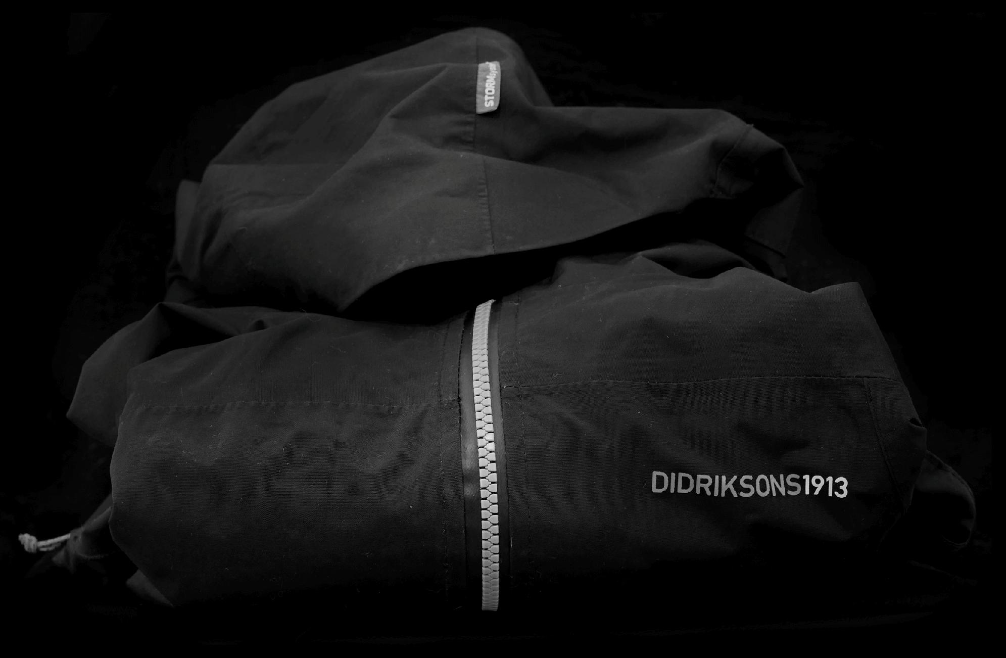 waterproof_coat